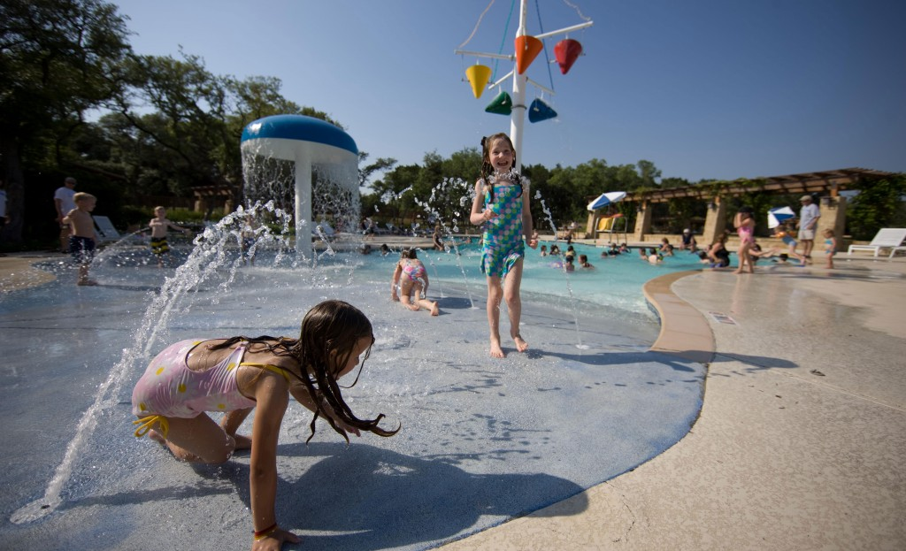 Belterra-6---Kids-at-Pool